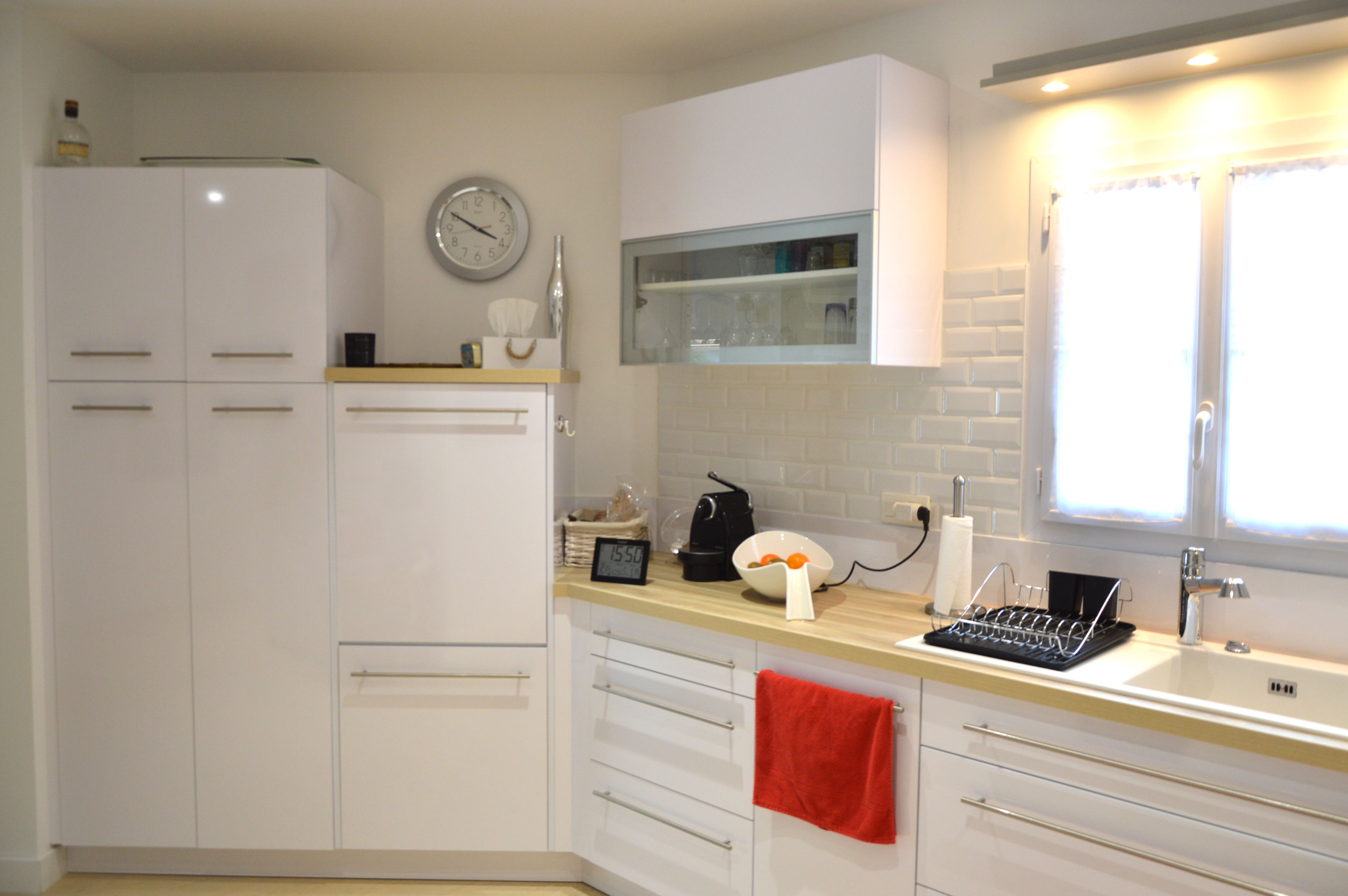 cr ation de cuisine sur mesure saint gilles croix de vie yannick remaud menuiserie saint. Black Bedroom Furniture Sets. Home Design Ideas